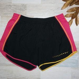 Nike Women's Dri-Fit Live STRONG shorts - Medium